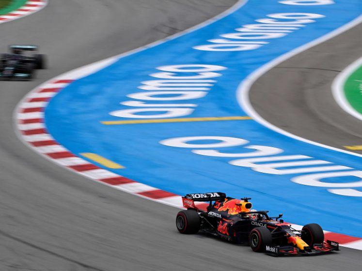 Verstappen heeft Hamilton meteen te pakken bij topstart GP Spanje