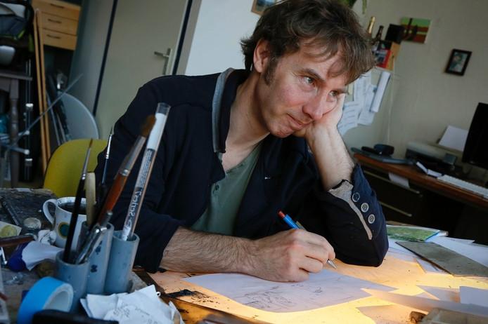 Striptekenaar Mark Retera in zijn atelier in Nijmegen.