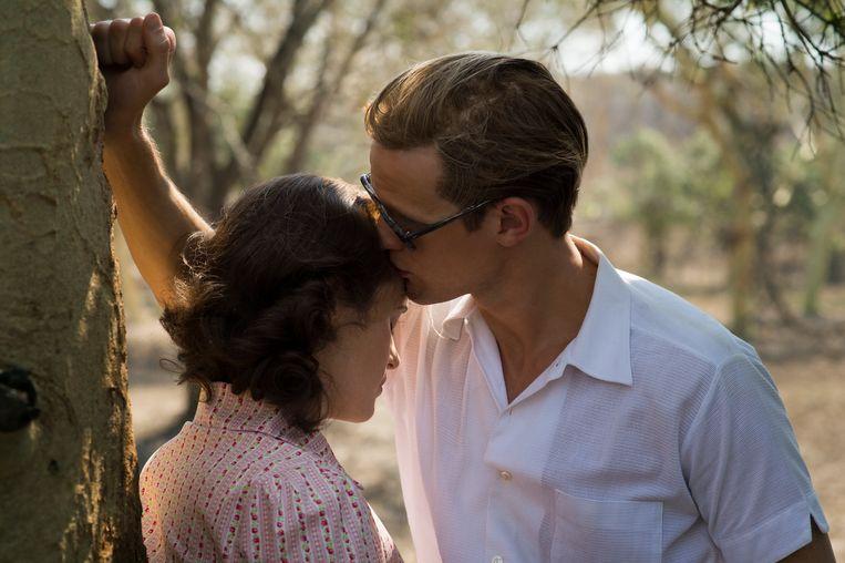 Claire Foy en Matt Smith als Elizabeth en Philip in deel 1 van de serie. Beeld Netflix
