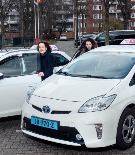 Taxidienst met alleen vrouwen achter het stuur: 'Wij rijden meer als een heer in het verkeer'