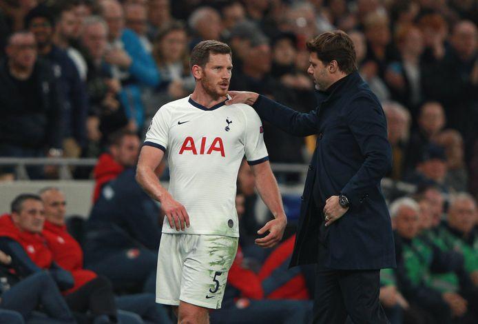 Jan Vertonghen met Tottenham-trainer Mauricio Pochettino.