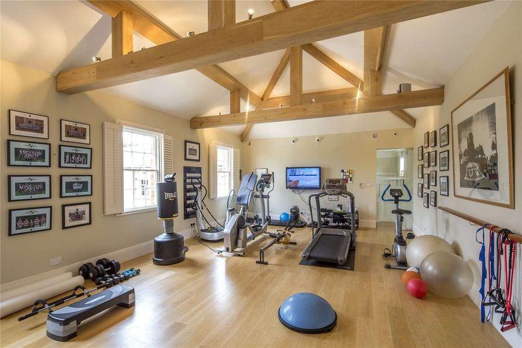 Jerry en Rupert hebben een eigen fitnesskamer.