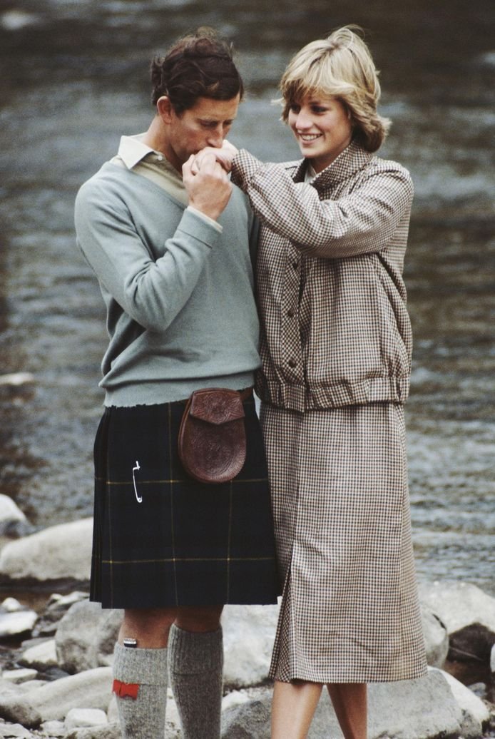 Prins Charles en prinses Diana (1961 - 1997) tijdens hun huwelijksreis in het Balmoral-kasteel.