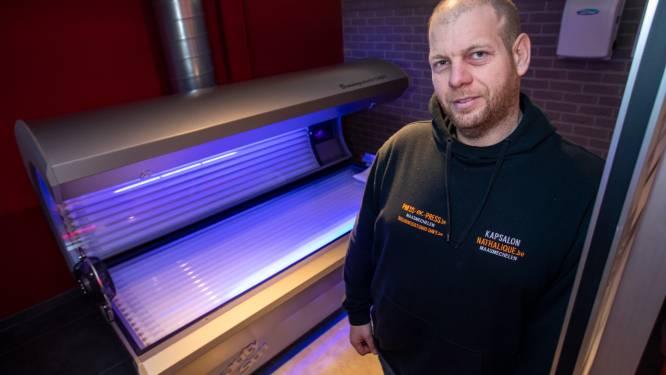 """Davy (41) sluit zonnebankstudio na bijna dertig jaar door corona: """"Mensen moeten nergens naartoe, dus laten dat bruine kleurtje achterwege"""""""