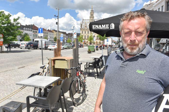 """De stad moet een campagne bedenken om de heropening van de horeca te lanceren en om het toerisme aan te zwengelen"""", vindt gemeenteraadslid en horeca-uitbater Boris Labie."""