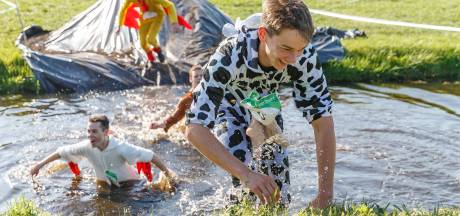 Mudrun Boer en Burger in Kallenkote: 'Tot je nek in de drek'