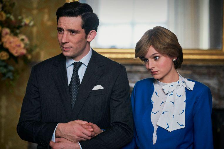 Josh O'Connor als prins Charles en Emma Corrin als prinses Diana in seizoen 4 van The Crown. Beeld Des Willie/Netflix