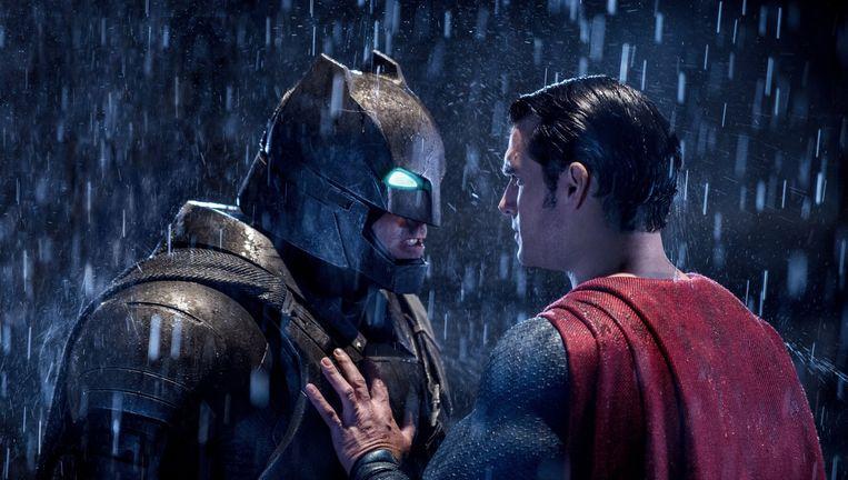 De nieuwste worp van Zack Snyder slaat alle kanten tegelijk uit, maar treft nooit echt doel. Beeld Fox / Warner