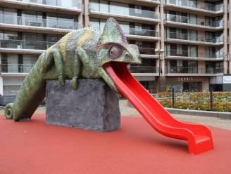 Met deze reusachtige kameleon-glijbaan is Beaufort-beeldenpark eindelijk volledig