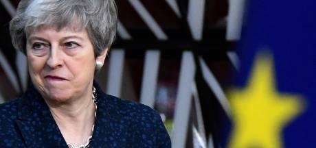 """Theresa May humiliée par son propre camp: """"Vous êtes le problème"""""""