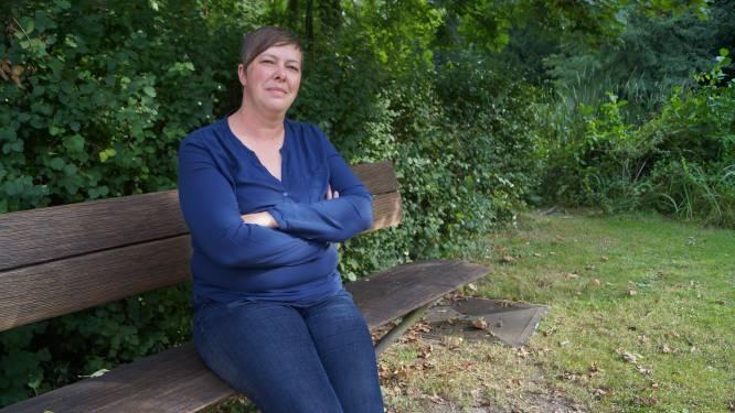 """Zorgwerkster Eveline (36) is allergisch voor álle coronavaccins: """"Straks raak ik vrijheid volledig kwijt met die coronapas"""""""