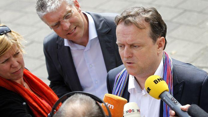 De Amsterdamse advocaat Richard Korver wordt bestookt door de pers.