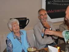 Co is 105 jaar en overleefde corona: 'Ik ben van de generatie die ze dood moeten slaan'