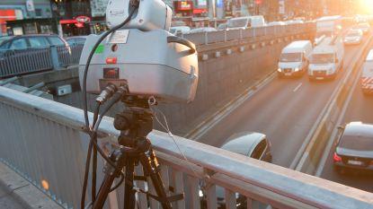 125 snelheidsovertredingen in één uur aan wegenwerken op Metropoolstraat