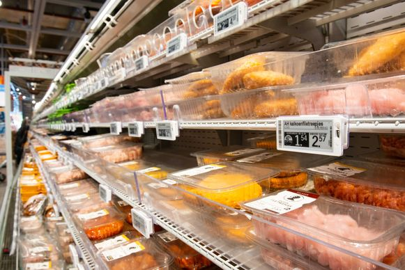 Het dynamische prijssysteem kan ook reageren op de weersomstandigheden, en zo bijvoorbeeld barbecuevlees fors afprijzen wanneer het bij regenweer toch in de rekken zou blijven liggen.