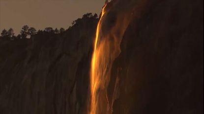 Waterval verandert in 'vuurval' door wonderlijk natuurfenomeen