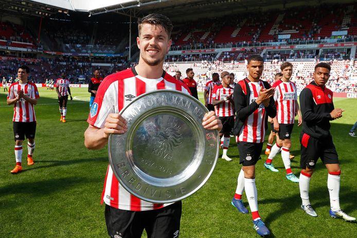 Het is moeilijk voor te stellen, maar het kampioensduel van PSV met Ajax (op 15 april 2018) was de een na laatste officiële wedstrijd van Marco van GInkel.