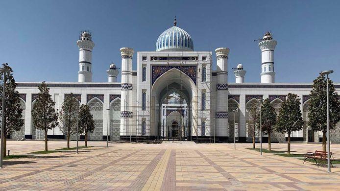 Het ondertapijt van Estillon ligt sinds 2019 in de grootste moskee van Centraal-Azië.