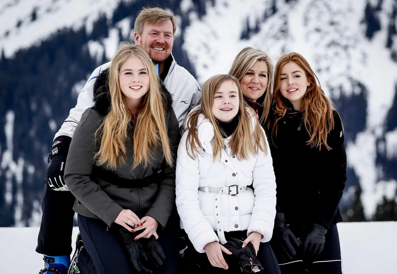 Koning Willem-Alexander, prinses Amalia, prinses Ariane, koningin Maxima, prinses Alexia