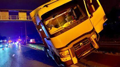 E313 naar Antwerpen weer vrij na ongeval met vrachtwagens