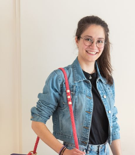 Slim: de draagriemen van Jessie maken van een yogamat of picknickkleed een handige tas