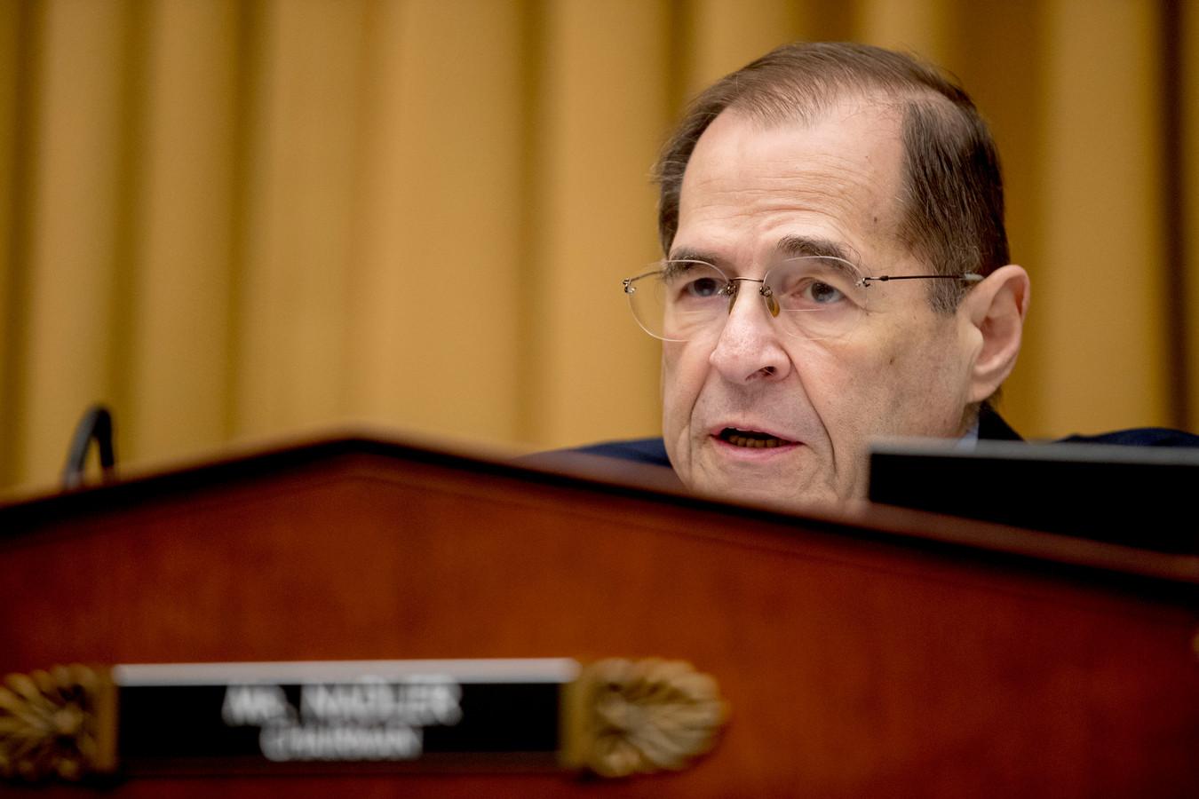 Jerrold Nadler. Door zelf informatie op te vragen bij de betrokkenen, dekt de commissie zich in voor het geval het rapport van Mueller niet in zijn geheel openbaar wordt. Op deze manier worden wellicht bewijzen gevonden die een afzettingsprocedure tegen Trump mogelijk maken.