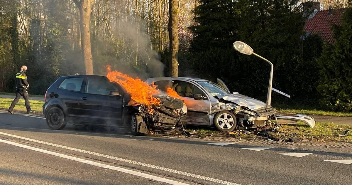 Meerdere gewonden bij ernstig ongeval op N734 tussen Oldenzaal en Losser.