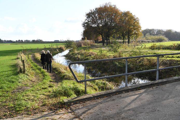 DIESSEN Foto Jan Stads / Pix4profs.  De brug over de Reusel in Diessen op de Moleneind.