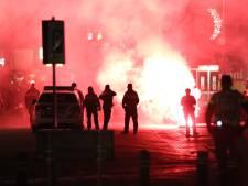 'Er mag niks', en dus smeet Klaas Johannes B. (20) glas en stenen naar hulpverleners tijdens rellen op Urk