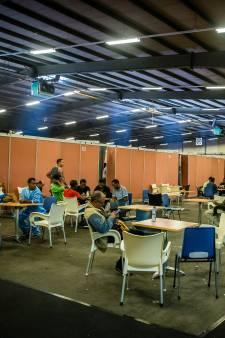 Noodopvang voor 320 asielzoekers in de Zeelandhallen in Goes