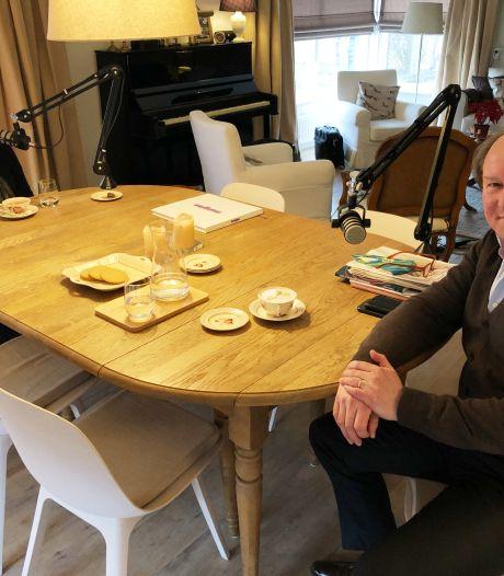 Na het coronalied komt burgemeester Hein van der Loo nu met een eigen podcast