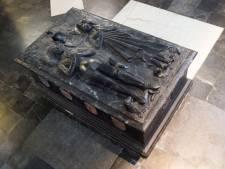"""Unieke tombe moet na 538 jaar Brugse Jeruzalemkerk verlaten voor restauratie: """"Ontmanteling wordt hachelijke onderneming"""""""