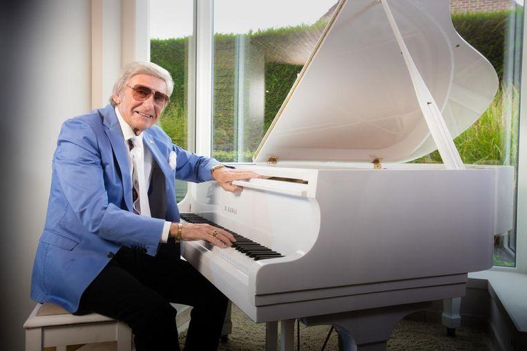 Johan Stollz was een fenomeen in de Vlaamse showbizz. Hij was pianist in Beverly Hills en trad al op voor Elizabeth Taylor. Beeld Foto Frank Abbeloos