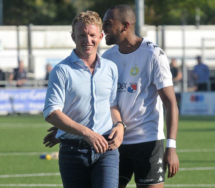 Dirk Kuyt als assistent-trainer van Quick Boys.