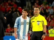 Messi gunt grensrechter zijn fotomoment