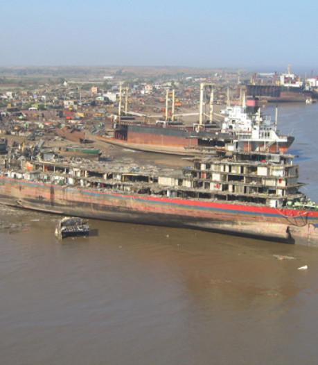 Rotterdams bedrijf heeft spijt van slopen schip en betaalt maximale boete