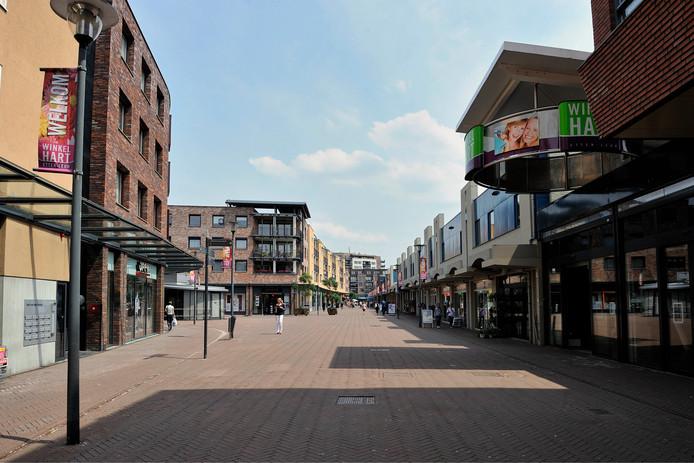Winkelcentrum Winkelhart in Etten-Leur. Het overdekte gedeelte is eigenaar van Wereldhave, het niet overdekte deel was van ASR Real Estate, maar is overgenomen door de Lenferink Groep uit Zwolle.  Winkeliers in het niet overdekte deel zijn verenigd  in de winkeliersvereniging Promenade.