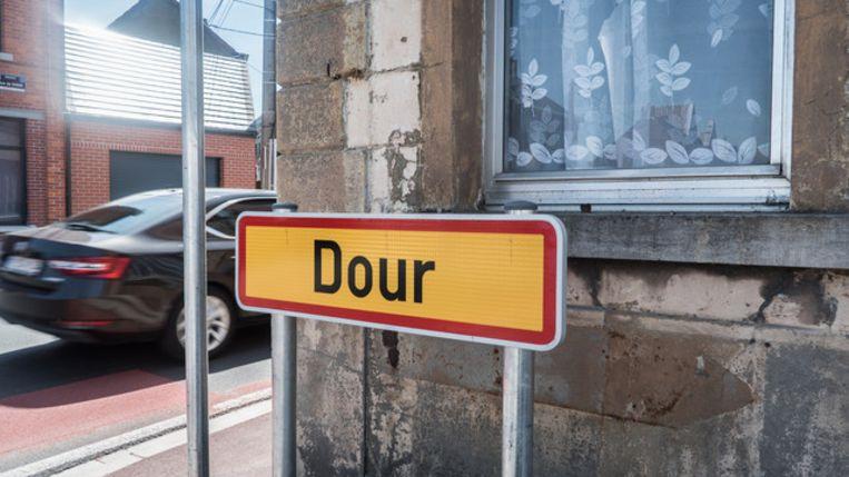 Terwijl het Dour Festival  plaatsvindt, bezochten wij het gelijknamige dorp. Beeld rv