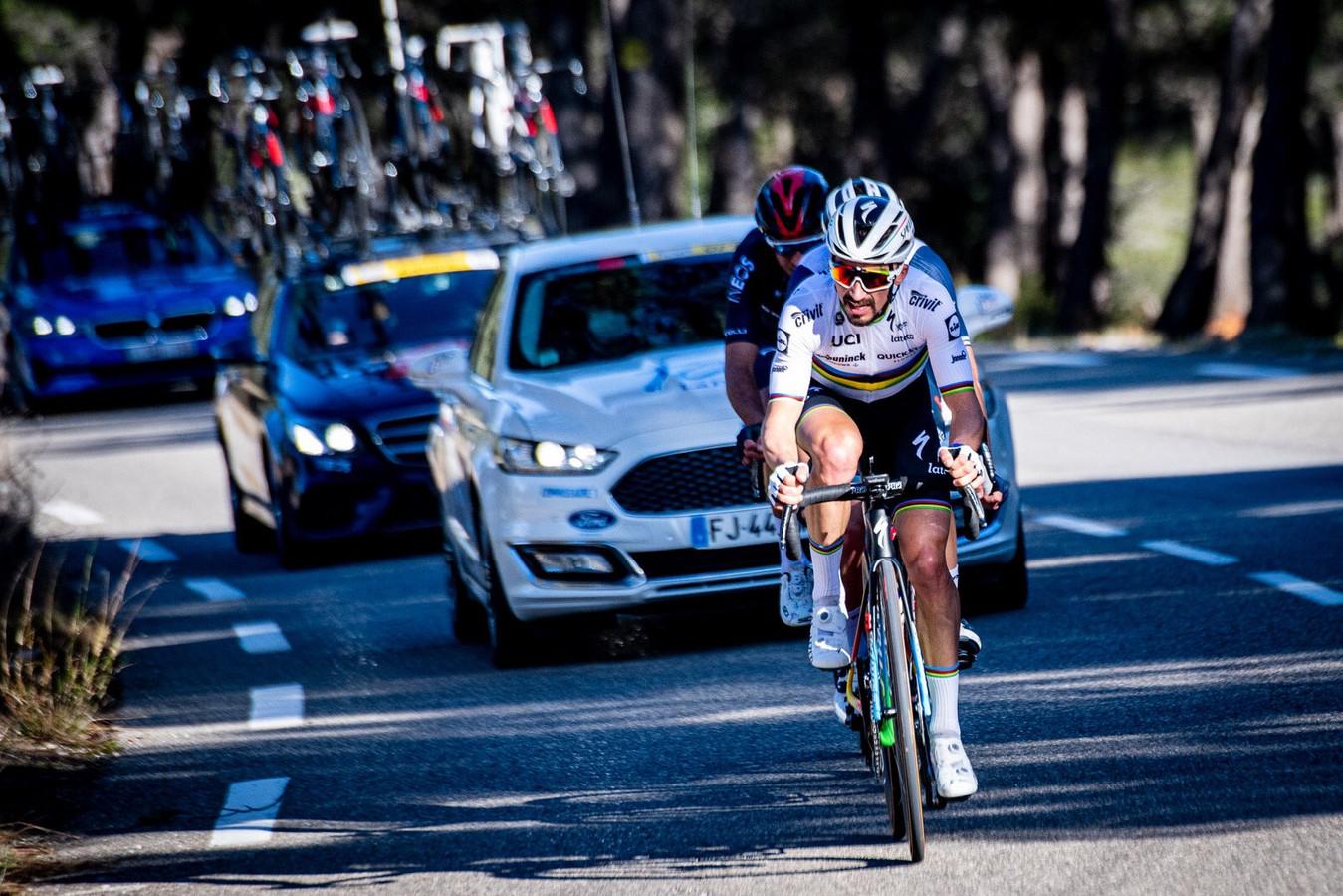 Julian Alaphilippe in de aanval in eerste rit van de Tour de la Provence 2021