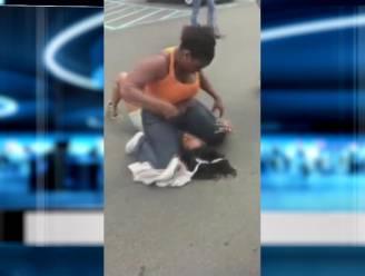 Vrouw slaat 'dievegge' van haar parkeerplaats in elkaar