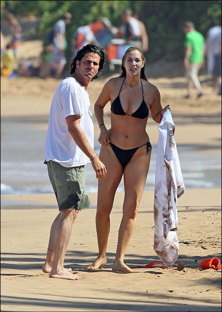 Elizabeth Berkley met haar man Greg Lauren. Beeld PHOTO_NEWS