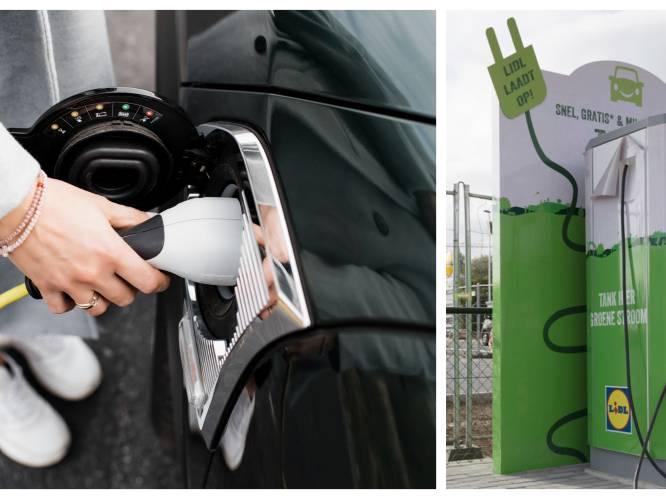 """KAART. """"Extra dienstverlening voor onze klanten"""": bij deze winkels kan je jouw elektrische wagen gratis opladen"""
