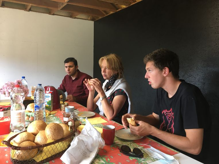 Samen met de leerkrachten ontbijten en daarna diploma op zak.