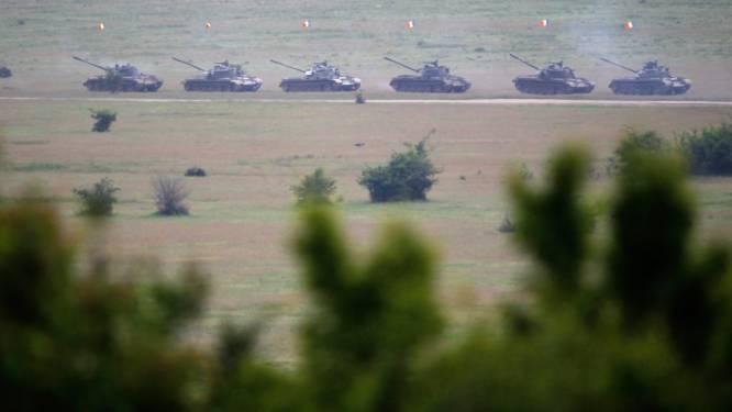 VS stellen tanks en artillerie op in Oost-Europa