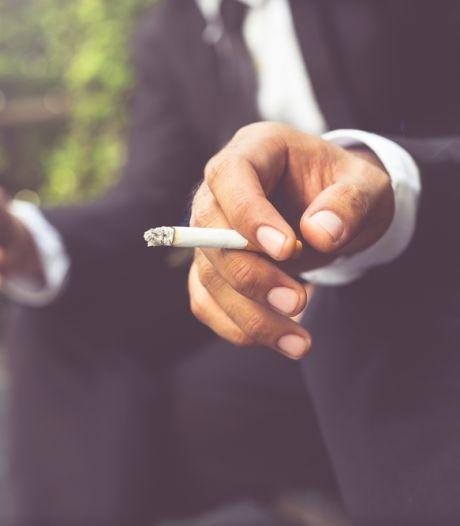 Rookhok op het werk verdwijnt: 'Roken kan, maar niet meer op ons terrein'