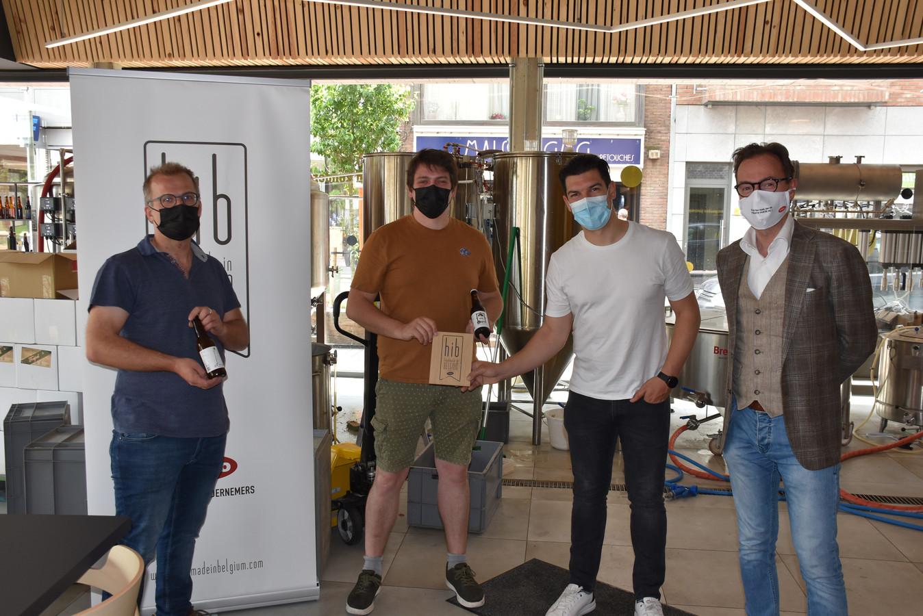 Ward Strauwen, Joris Mentens, Luca Bruno (voorzitter UNIZO Genk) en Bart Lodewyckx (gedelegeerd bestuurder UNIZO Limburg).
