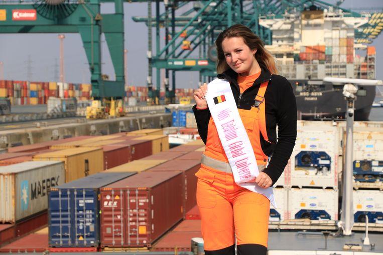 Tjorven Van Wauwe werkt in de Waaslandhaven en mag ons land vertegenwoordigen op Miss Global Universe.