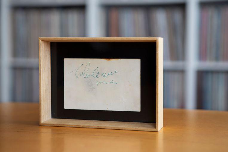 De bewuste handtekening van zowel John Lennon als zijn vrouw Yoko Ono.  Beeld Pauline Marie Niks