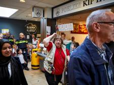 Poelier en eigenaar winkelcentrum in gesprek over dreigend vertrek