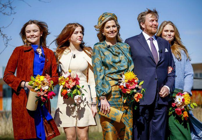 Het koninklijk gezin bezoekt tijdens de achtste editie van Koningsdag de High Tech Campus.